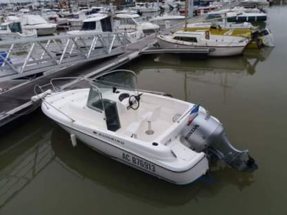 Charter Motorboat Omc Open Royan