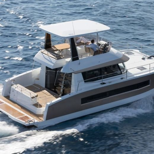 Catamaran Fountaine Pajot My 37 à louer