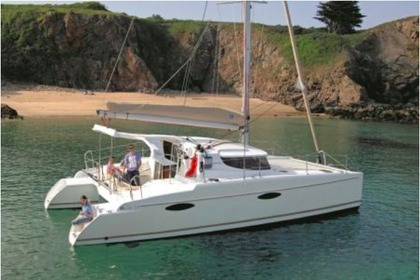 Charter Catamaran FOUNTAINE PAJOT 36 Leeward Islands