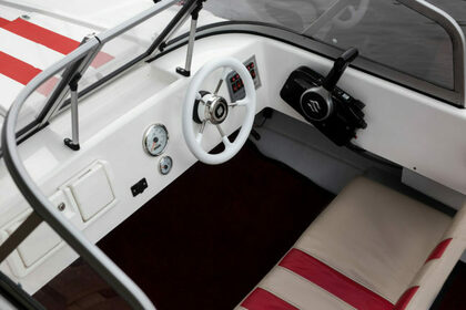 Hire Motorboat Suzuki Custom Saint Petersburg