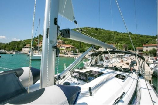 Bavaria 37  Cruiser in Pula for hire