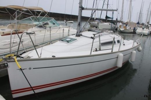 Sailboat JEANNEAU SUN FAST 26 peer-to-peer