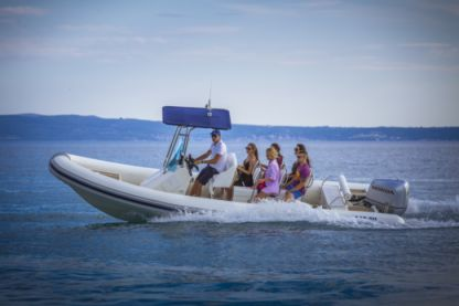 Rental RIB Lolivul 7.4 Supetar
