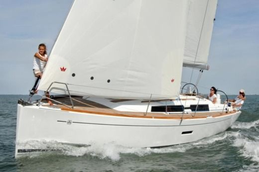 Sailboat Dufour 335 peer-to-peer