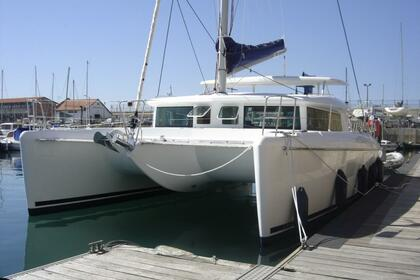 Rental Catamaran LAGOON LAGOON 420 St-Laurent-du-Var