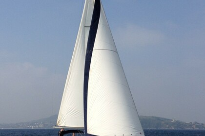 Rental Sailboat BENETEAU OCEANIS 373 Hondarribia
