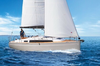 Hire Sailboat BAVARIA 34 CRUISER San Javier, Murcia