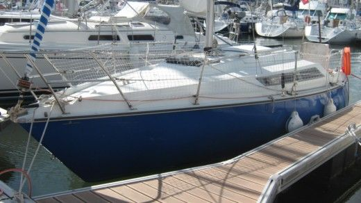 Sailboat Maurice Edel 730 for hire