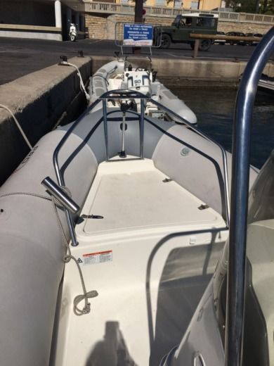 Zodiac Pro Open 550 in Marseille for hire