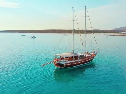 Rental Sailboat Caicco 25M Bosa