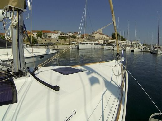 Rental sailboat in Šibenik