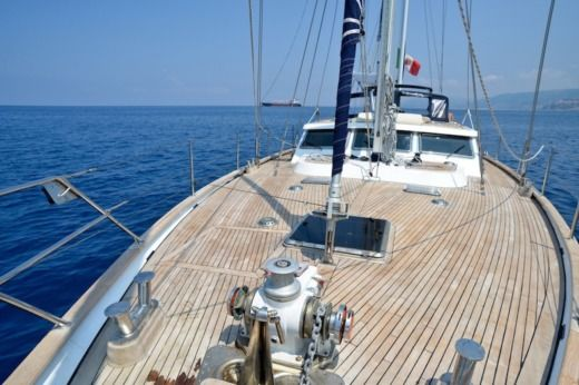 Sailboat Benetti MS 20 peer-to-peer
