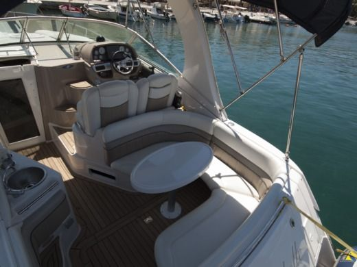 Motorboat Four Winns 278 Vista for hire