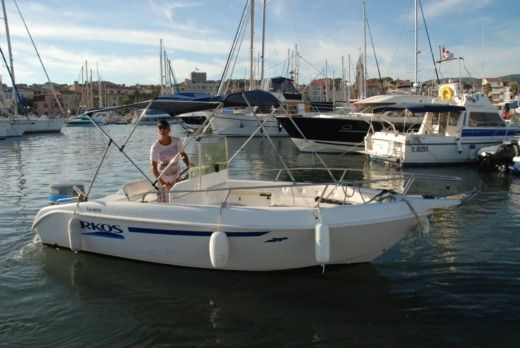Charter motorboat in Sanary-sur-Mer peer-to-peer