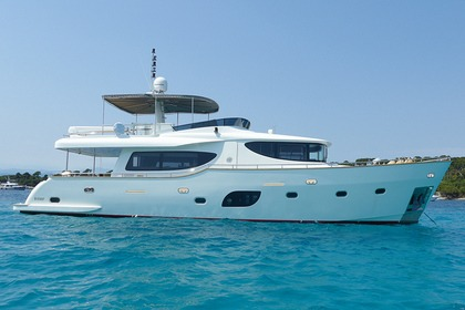Alquiler Yate Navetta 67 Cannes
