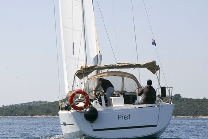 Hire Sailboat DUFOUR 412 GL Rogoznica