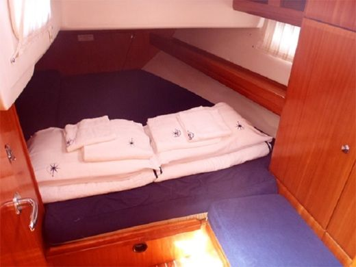 Sailboat Bavaria 46 Cruiser 2009