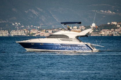 Verhuur Motorboot Fairline Phantom 42 Tivat