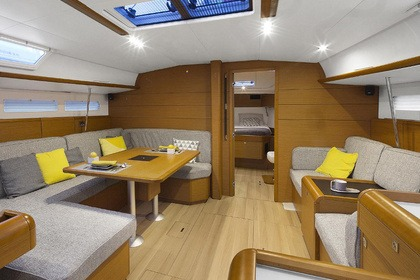 Hire Sailboat Jeanneau Sun Odyssey 519 Las Galletas