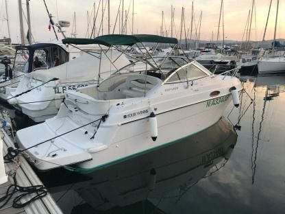 Charter Motorboat Four Winns Vista 238 Le Lavandou