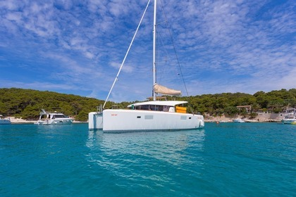 Hire Catamaran LAGOON 39 Split
