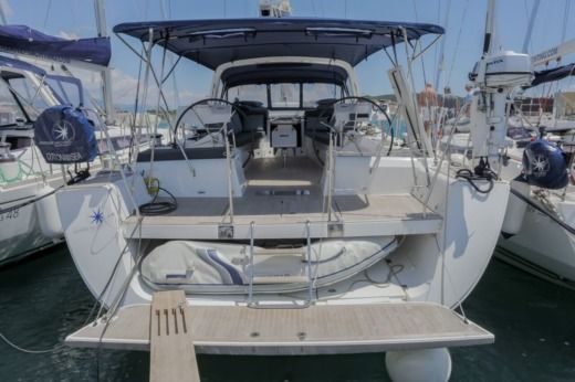 Sailboat Beneteau Oceanis 60 for hire