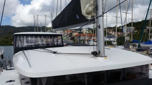 Lagoon 450 S in Martinique for hire