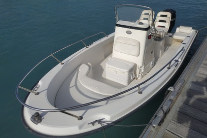 Charter Motorboat Boston Whaler Outrage 19 St-Laurent-du-Var