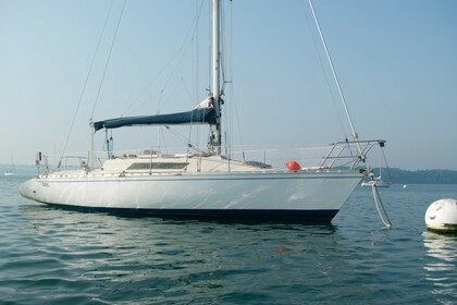 Charter Sailboat BENETEAU First 32 GTE Saint-Malo