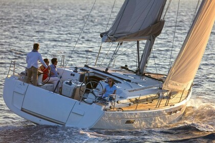 Hire Sailboat JEANNEAU Sun Odyssey 519  with watermaker & A/C - PLUS Saint Thomas