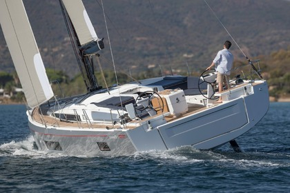 Hire Sailboat BENETEAU OCEANIS 51.1 Split