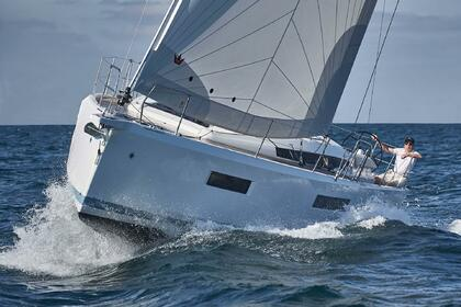Hire Sailboat JEANNEAU SUN ODYSSEY 490 Las Galletas
