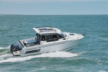 Hire Motorboat Jeanneau  Merry Fisher 795 Serie 2 Pula