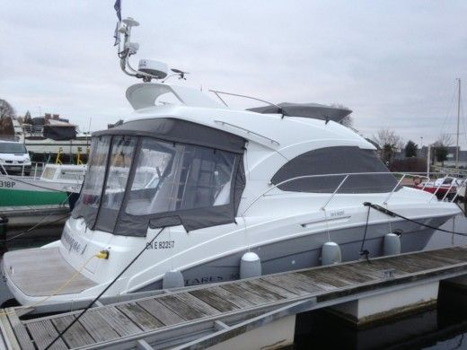 Motorboat BENETEAU A30 for hire