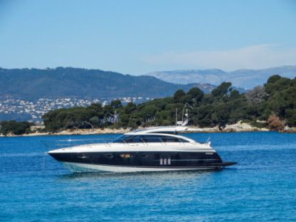 Charter Motorboat Princess V52 Cannes