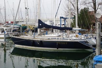 Rental Sailboat GRAND SOLEIL Grand soleil 42 Bastia