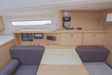 Sailboat Bavaria 46 Vision