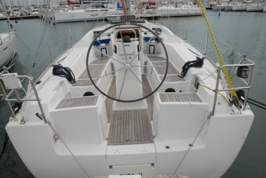 Charter Sailboat Hanse 370 Marseille