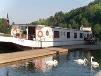 Rental houseboat in Casseneuil