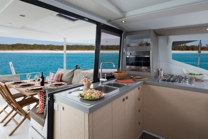 Location Catamaran FOUNTAINE PAJOT LUCIA 40 Saint-Raphaël