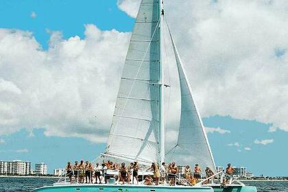 Hire Catamaran Fountaine Pajot 50 Deerfield Beach