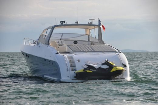 Motorboat TECHNOMARINE COBRA 65 for hire