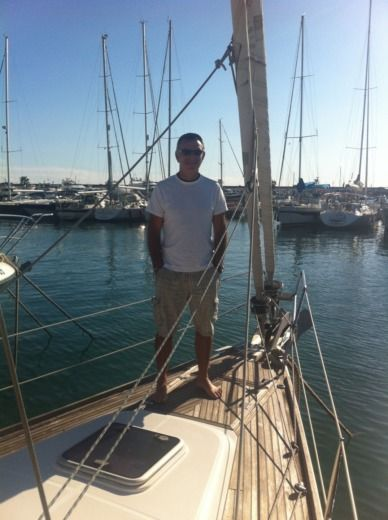 Sailboat Wauquiez Pilot Salon 40 for hire