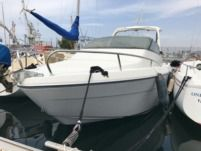 Motorboat Jeanneau Leader 660 for hire