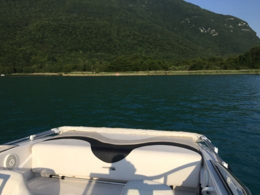 Charter Motorboat Glastron Mx 185 Annecy