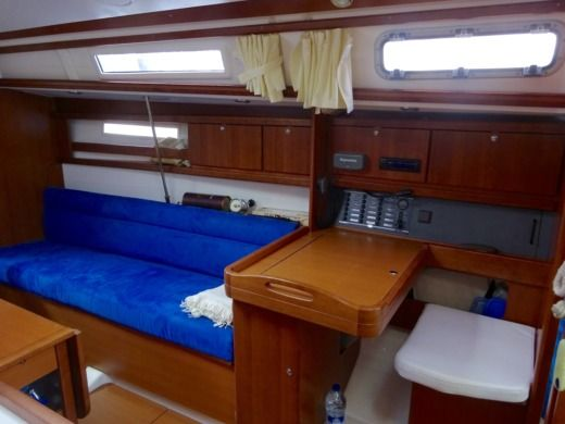 Sailboat Dufour 325 Grand Large peer-to-peer