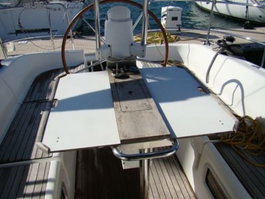 Sailboat PONCIN HARMONY 38 peer-to-peer