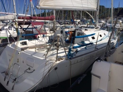 Beneteau First 31.7 in Saint-Mandrier-sur-Mer for hire