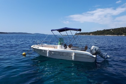Rental Motorboat FISHER 17 Hvar