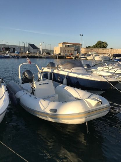 Rental RIB Zodiac Medline 2 - 6M La Ciotat